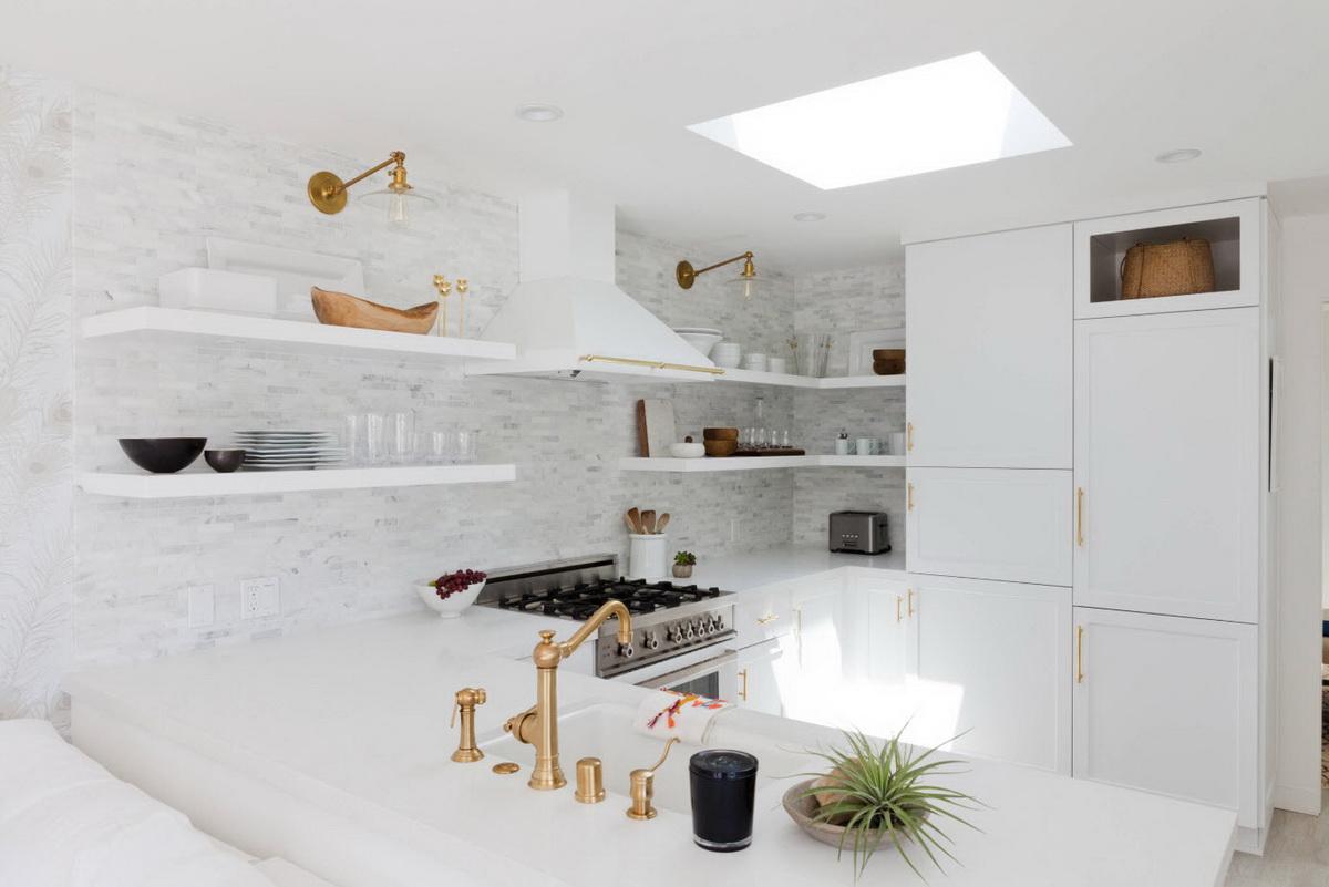 Robinet d'or dans la cuisine