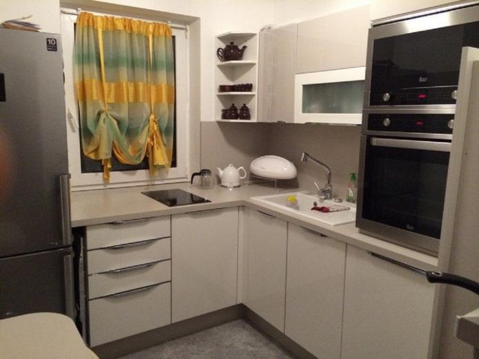 rideaux dans la cuisine