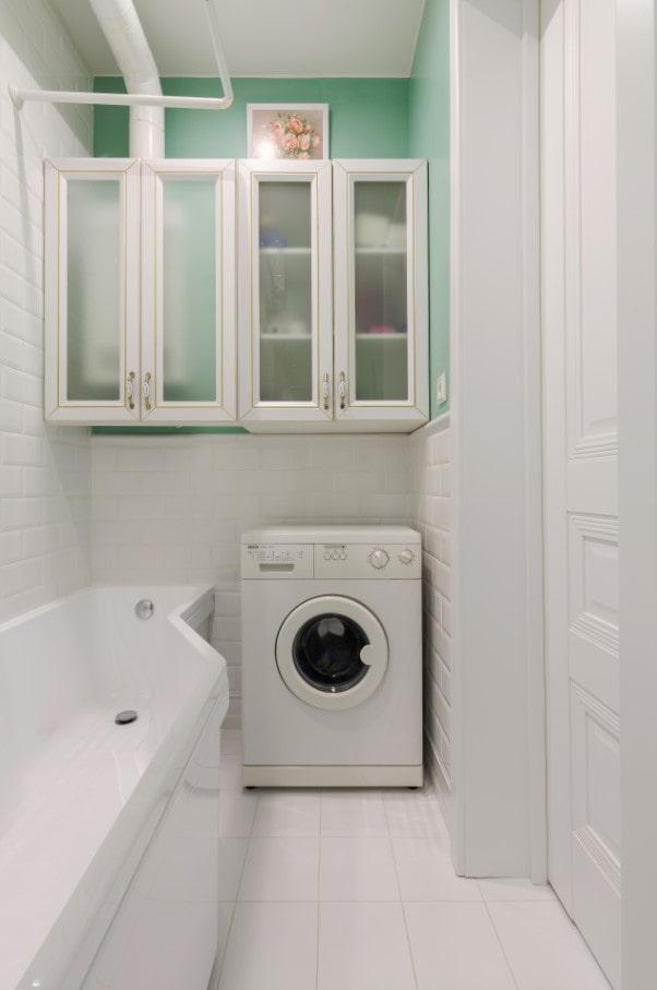 où mettre la machine à laver dans une petite salle de bain