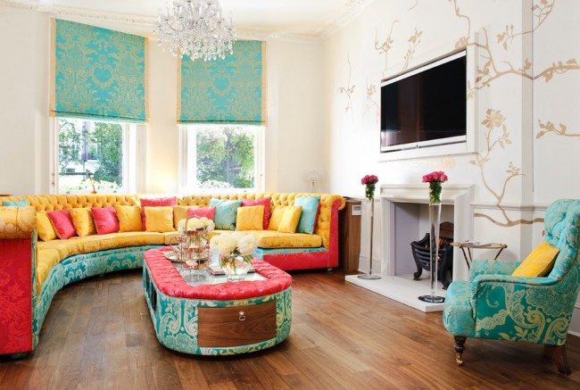 Combinaison luxueuse de turquoise et d'or dans un environnement multicolore frivole