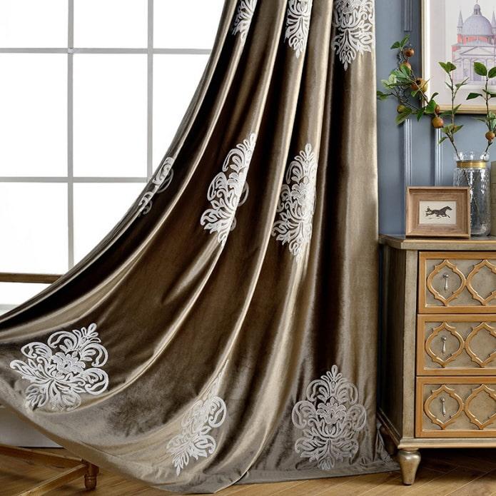 rideaux en velours à motifs