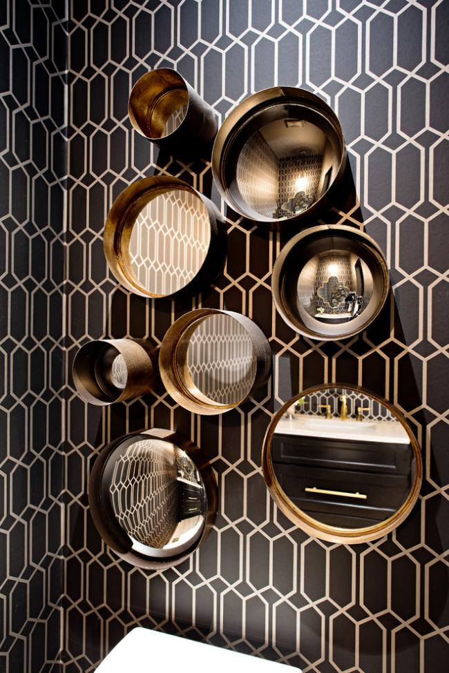 Décoration murale avec des miroirs