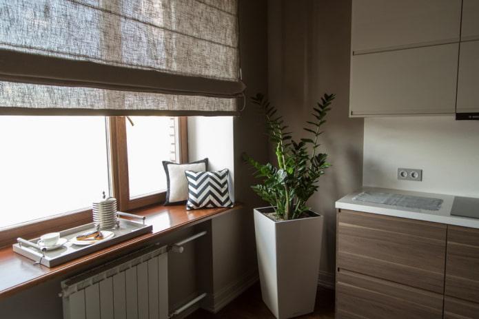 rideaux romains en lin dans la cuisine
