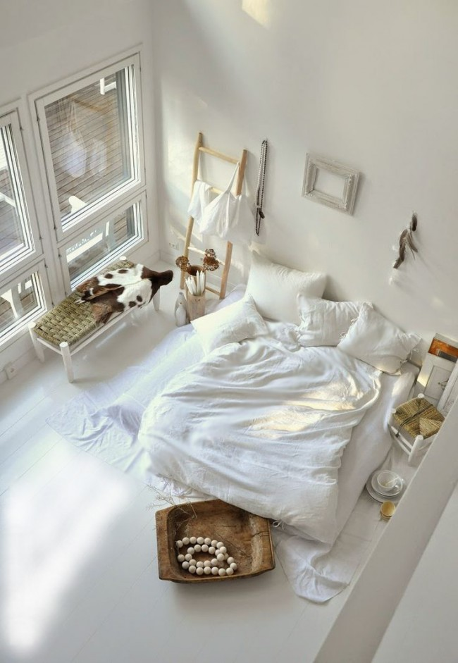 Ethno - chambre de couleur blanche classique.
