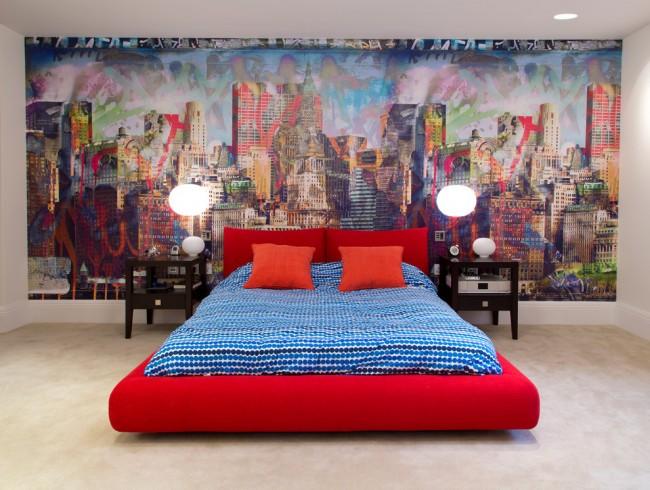Peinture au mur et lit lumineux d'origine