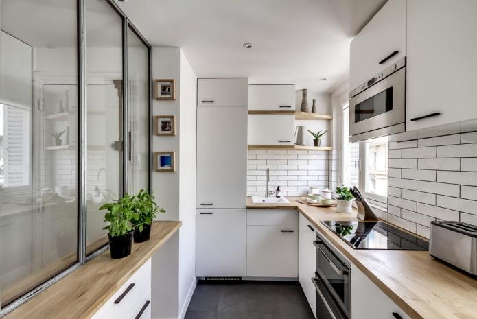 systèmes de rangement à l'intérieur de la cuisine sous la forme d'un angle