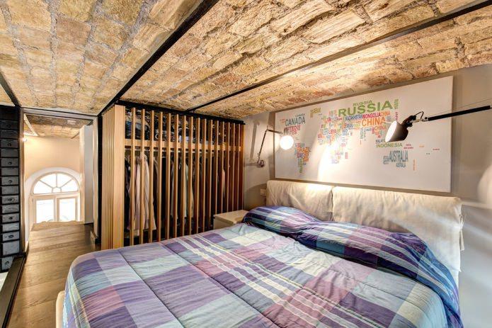 finition brute du plafond de la chambre