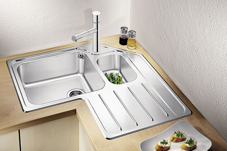 Corner Kitchen Design - Cuisine avec un évier dans le coin
