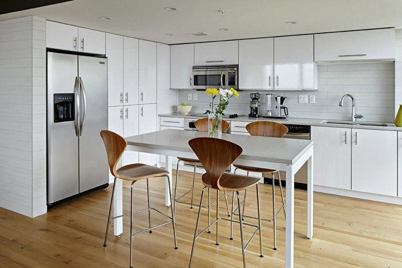 Cuisine d'angle avec table à manger - Design d'intérieur