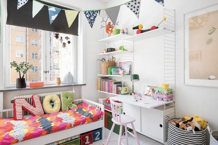 Style scandinave dans une petite chambre pour un enfant