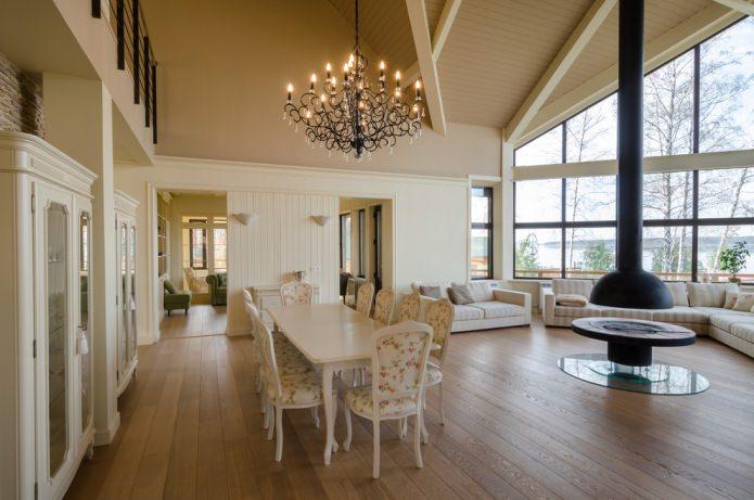couleurs claires à l'intérieur de la maison