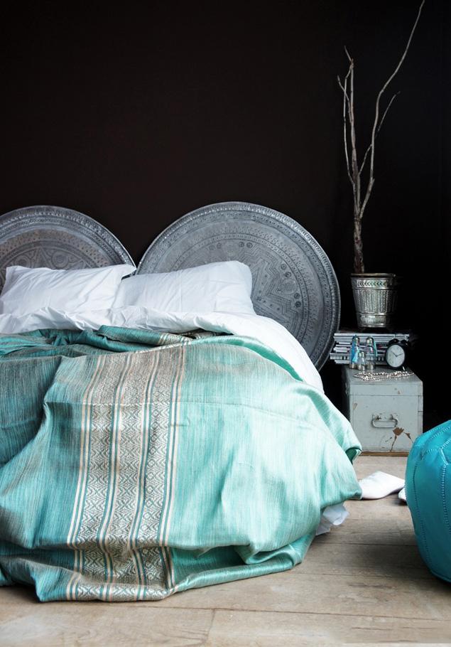 Un couvre-lit épais en jacquard décorera votre lit