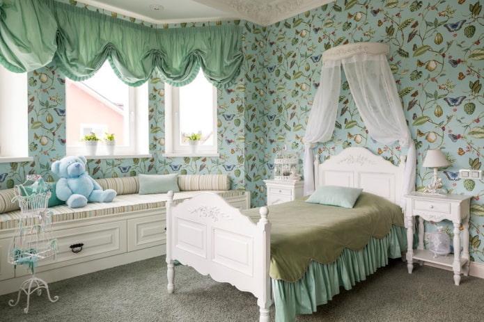 lit simple à l'intérieur
