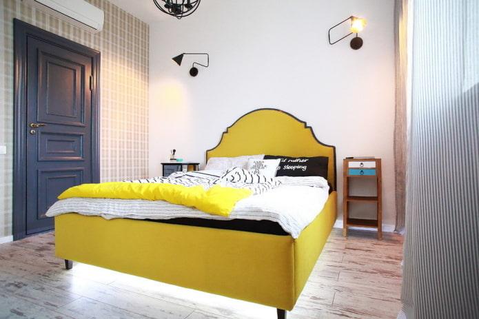 lit semi-double à l'intérieur