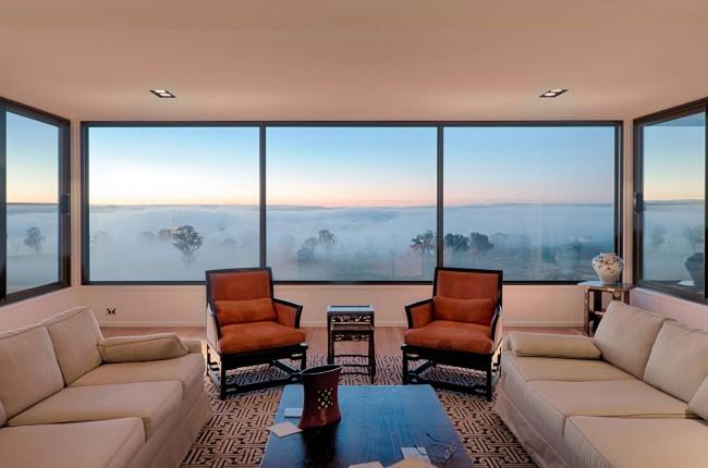 Deux chaises d'appoint qui soulignent indéniablement la couleur