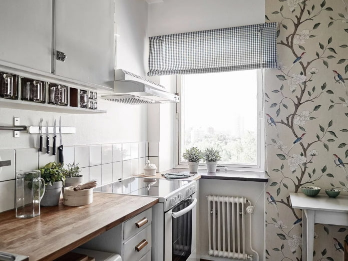 motifs floraux sur les murs