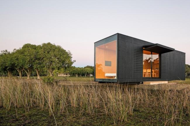 Maison privée composée d'un conteneur régulier de 40 'avec fenêtres panoramiques