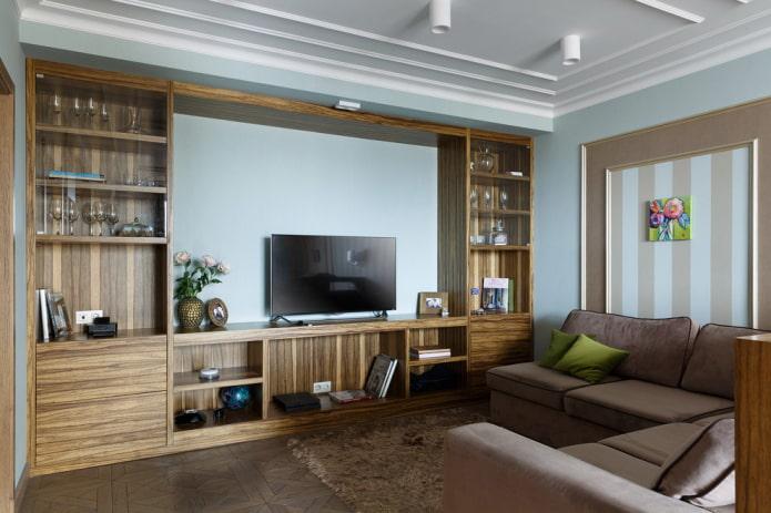 mur en bois massif à l'intérieur du salon