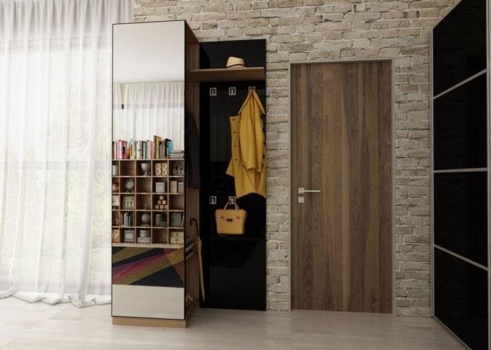 armoire-étui à crayons à l'intérieur du couloir