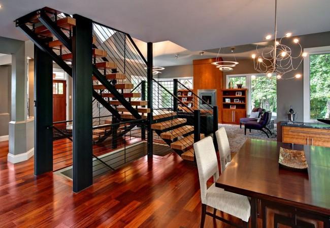 Intérieur moderne avec escalier en métal