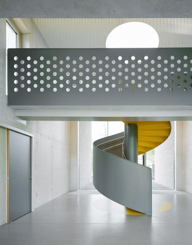 Escalier inter-étage intérieur
