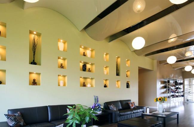 Le plafond tendu peut avoir des options de conception complètement inhabituelles