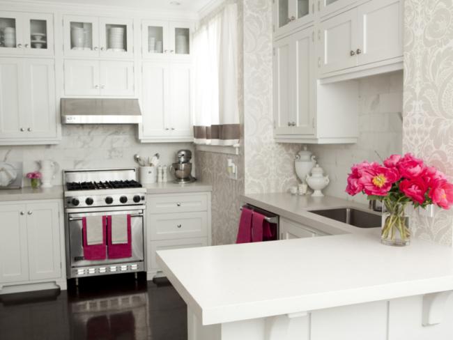Le papier peint en vinyle est une excellente option pour la décoration murale dans la cuisine