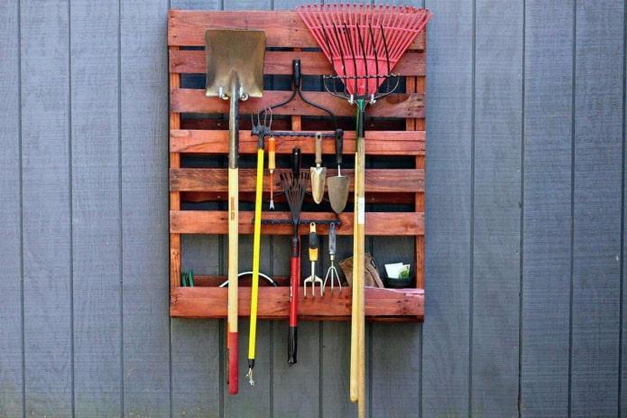 Comment ranger les outils de jardin?