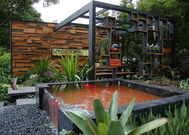 Pergola élégante et confortable au bord de la piscine