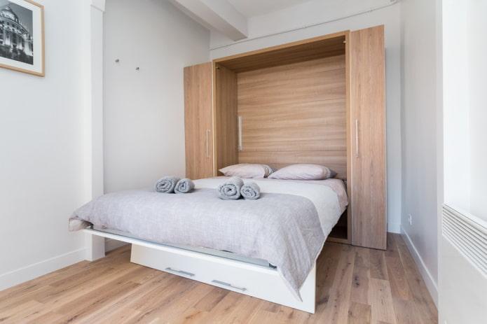 lit double-armoire à l'intérieur