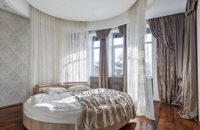 lit double rond à l'intérieur