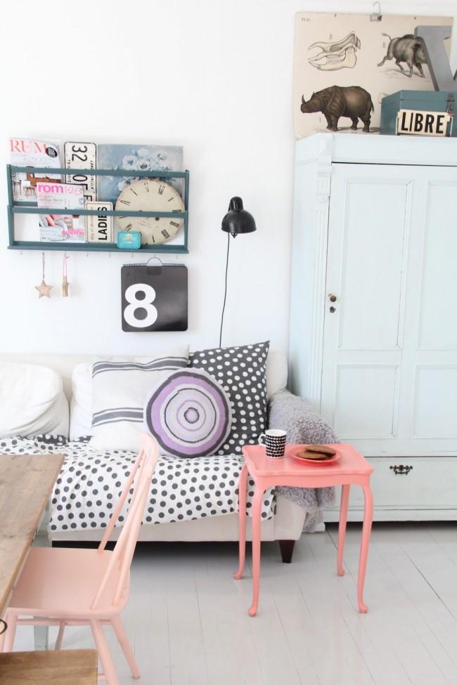 Un accent lumineux sur les meubles est un signe de l'individualité du propriétaire