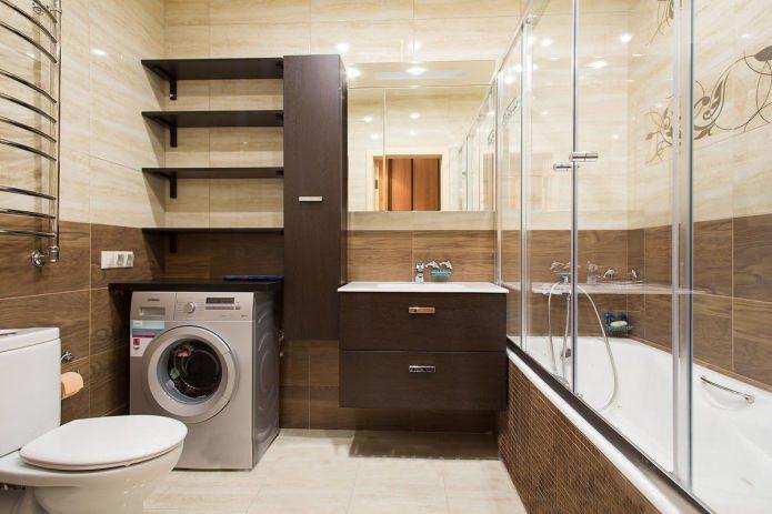Intérieur de la salle de bain dans un style moderne dans des tons beige et marron