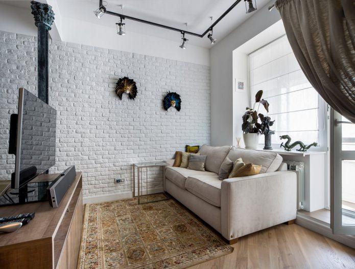 Papier peint sous brique blanche dans le salon
