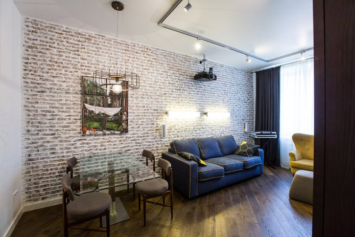 Papier peint avec imitation brique à l'intérieur du salon