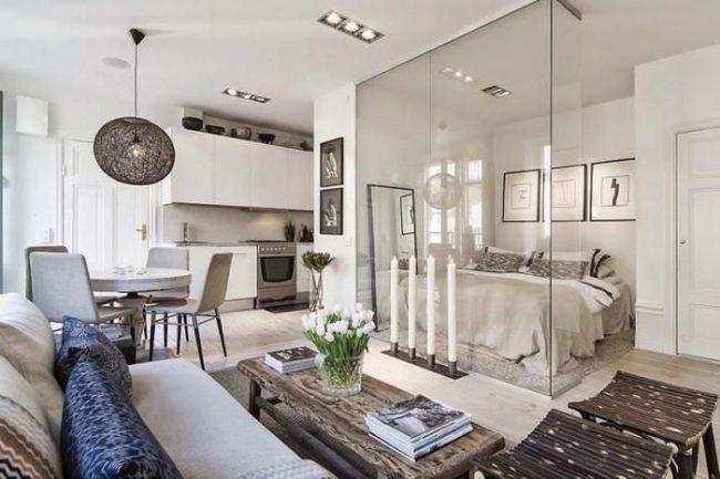 Studio carré avec espace zoné idéal