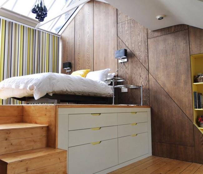 Le podium de lit avec armoires coulissantes est une solution de rangement très pratique