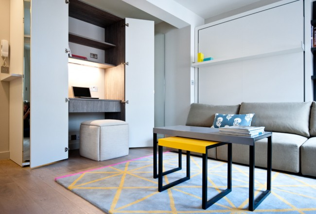 Un lieu de travail qui peut être caché dans un placard est une vraie trouvaille pour un petit appartement