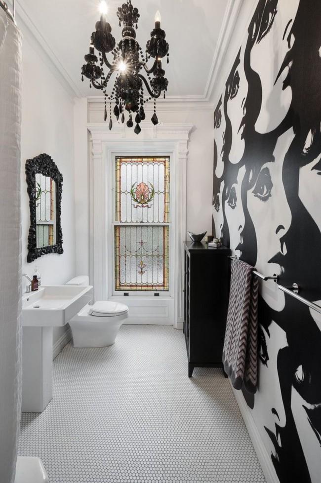 Intérieur de salle de bain élégant en noir et blanc avec papier peint en vinyle