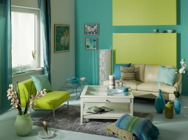 Papier peint en verre turquoise dans le salon