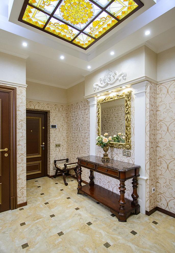 finition du couloir dans un style classique