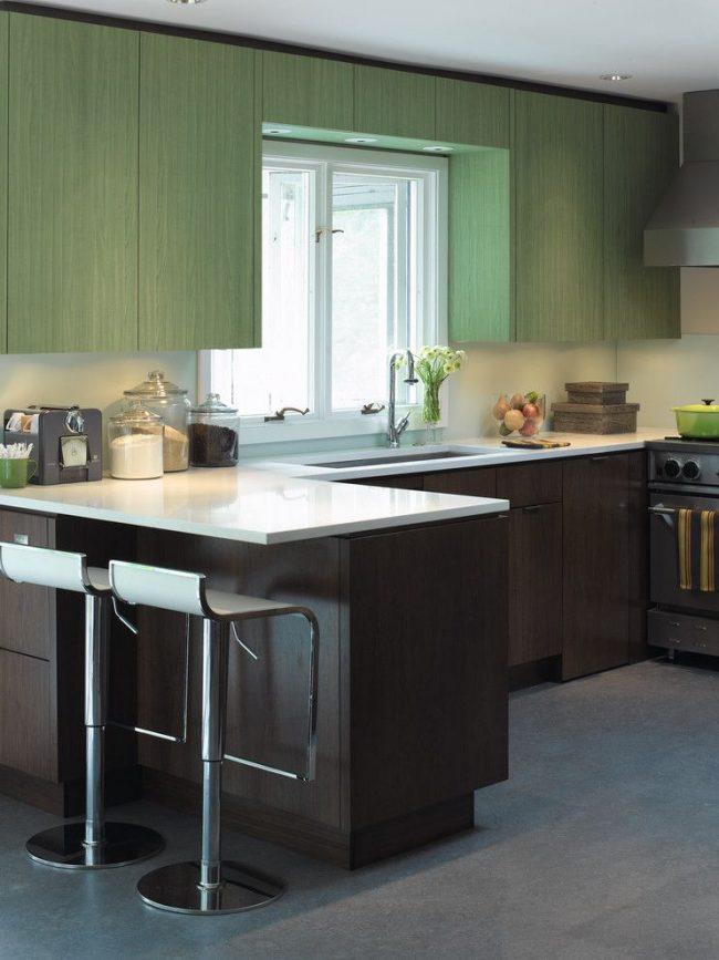 Ensemble de cuisine combiné avec un comptoir de bar - modèle d'angle de la structure
