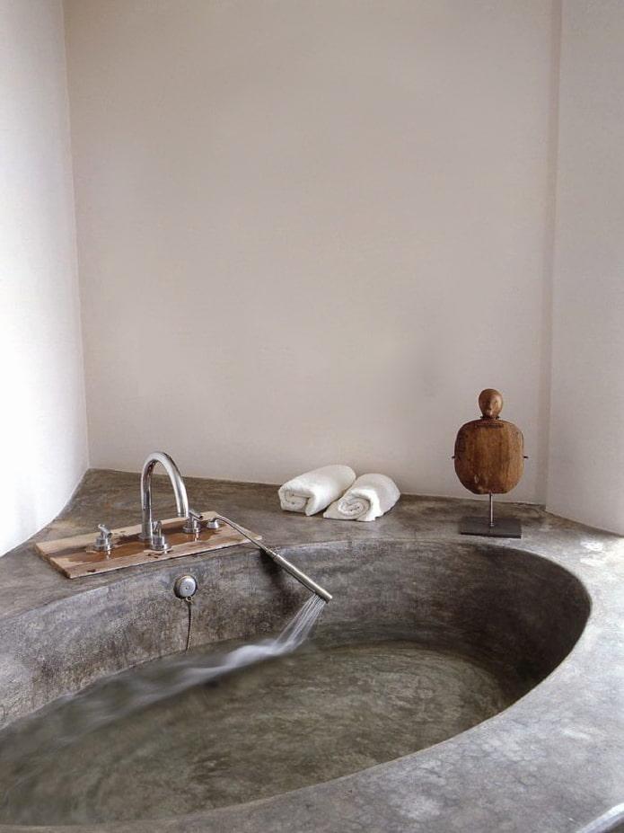 Baignoire en pierre naturelle