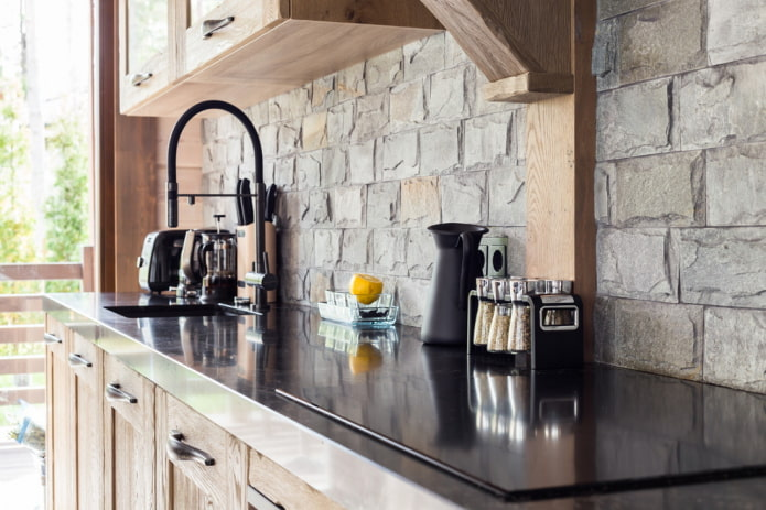 pierre dans la décoration du tablier de cuisine
