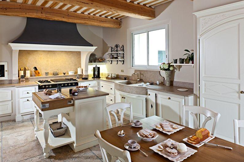 Conception de cuisine blanche de style provençal