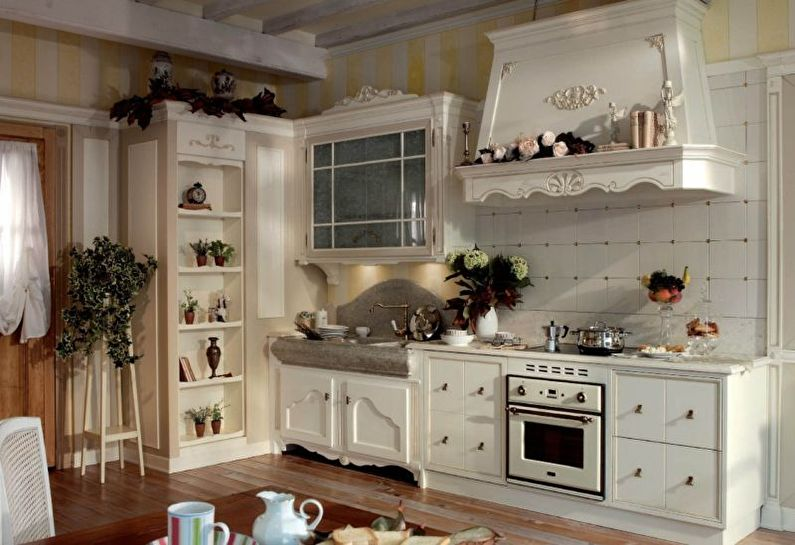 Style provençal à l'intérieur de la cuisine