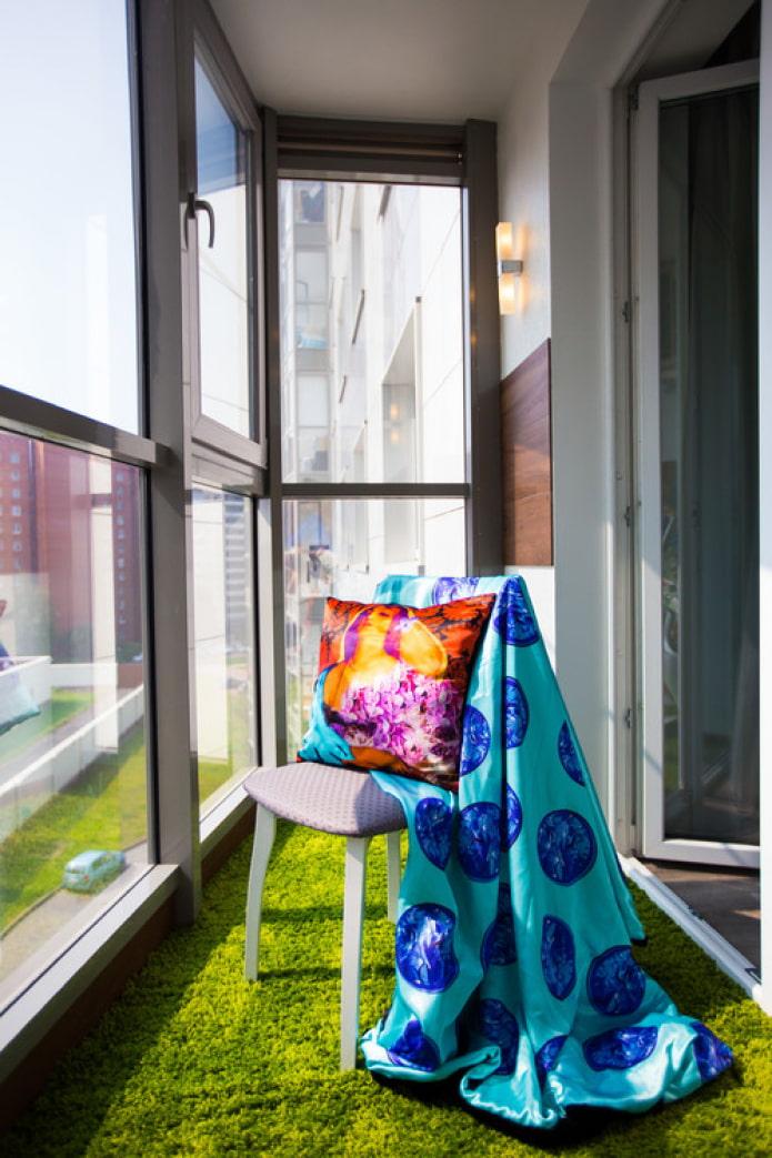 fenêtres en plastique sur le balcon