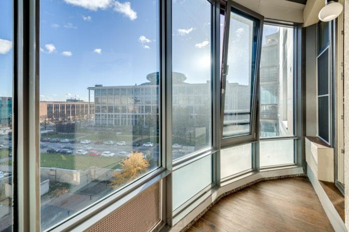 fenêtres à double vitrage pour un balcon
