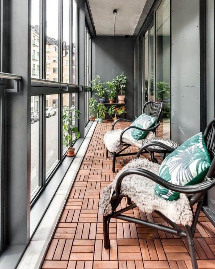 plancher de terrasse sur le balcon