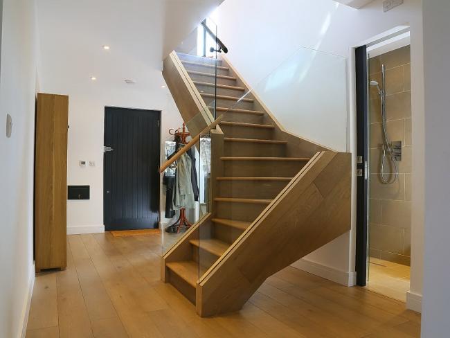 Escalier spectaculaire dans un style moderne